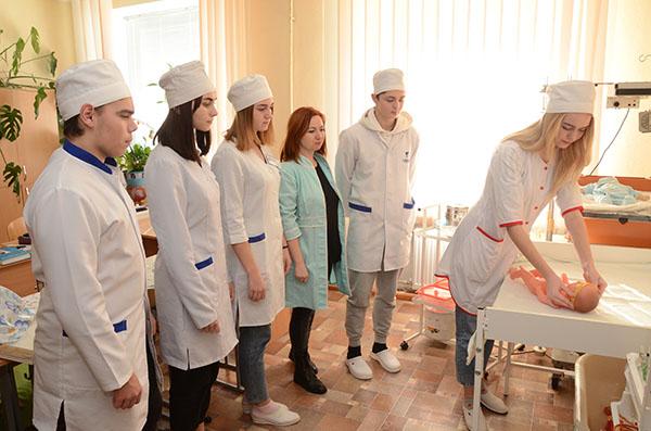 Кабінет доклінічної практики з педіатрії (зав.каб. Лиськова С.В.)
